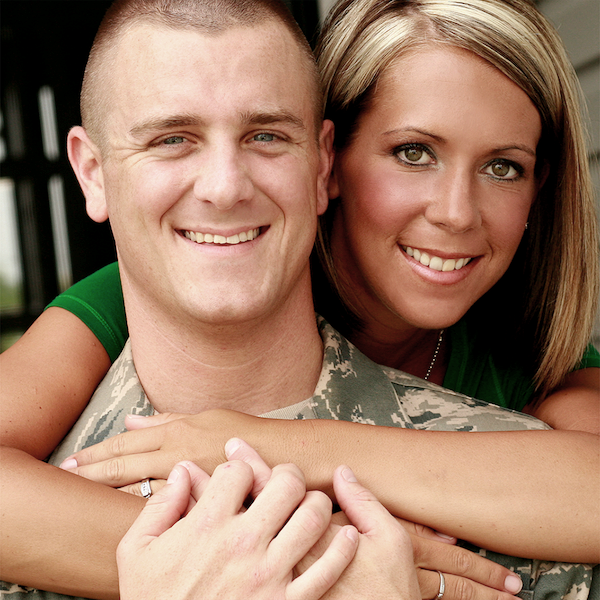 Military Spouses Link Button Image - a military man with his wife